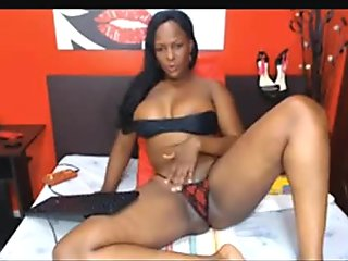Mature Thick and Juicy Ebony MILF Tease - camg8