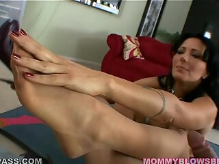 Zoe Holloway takes a juicy stiff schlong in her deep warm mouth