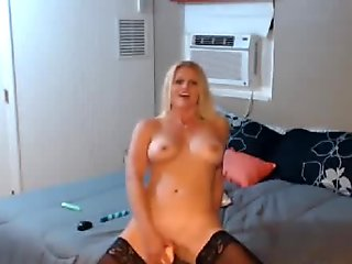 Moaning Milf Rubs Her Pussy In Stockings