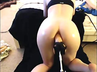 babe takes big dildo in her ass by machine - xcamvidz.net