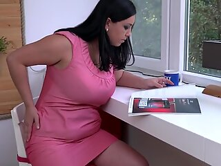 Naughty mature mom Elivia with hungry ass and pussy
