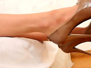 Samantha Saint foot and stocking fetish fun