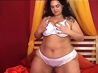 Fatty Plays With Her Dirty Pussy