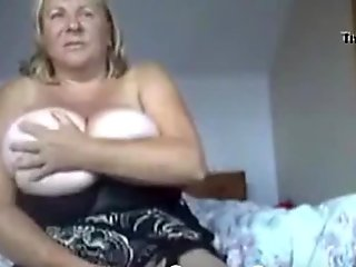 Fat Tit Granny Using Dildo on Cam - crankcams.com