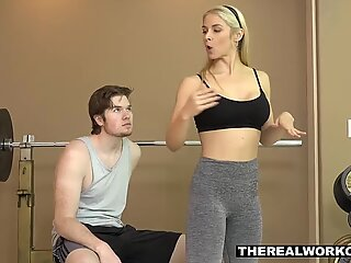 Fitness MILF teaches her client a new workout techniqueReport this video