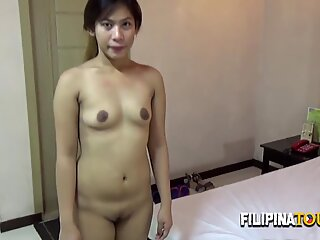 KINKY Filipina gets creampied DOGGYSTYLE amateur