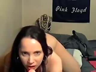 Hot milf masturbates and does ass to mouth on webcam