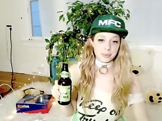 Alice Karina is sexy on the cam