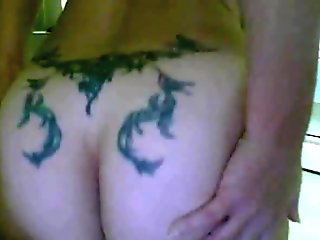 Big ass camgirl play with dildo and her asshole on webcam